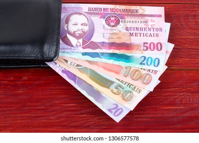 Money from Mozambique in the black wallet