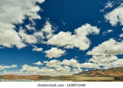 Mongolia. mountain lake Tolbo Tuur, Bright sunny day