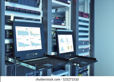 monitor show graph information of network traffic and status of device in server room data center