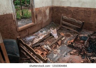 Monsenhor Horta / Minas gerais / Brazil - 10th october 2016 -  In Paracatu de Baixo, Monsenhor Horta district, a house struck by mud from the accident with the Samarco dam, which broke in November 201