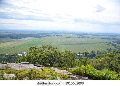 Mont Saint-Grégoire, Cime Haut-Richelieu, Quebec, Canada: View at the summit of farmlands