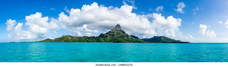 Mont Otemanu of the Bora Bora atoll, Tahiti, Oceania, French Polynesia