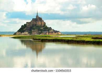 Mont saint-michel and reflection