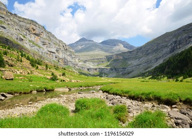 Monte Perdido peak in the valley of Ordesa, Pyrenees mountains, Huesca, Aragon, Spain.