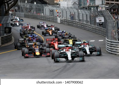 Monte-Carlo, Monaco. 26/05/2019. Grand Prix of Monaco. F1 World Championship 2019. Start of the race with Lewis Hamilton, Mercedes, leading the group.