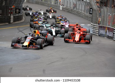 Monte-Carlo, Monaco. 27/05/2018. Grand Prix of Monaco. F1 World Championship 2018. Start of Monaco Grand Prix, with Daniel Ricciardo, Red Bull, leading the group.