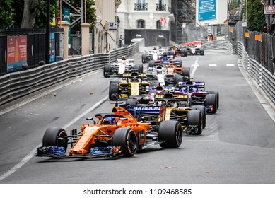 Monte-Carlo, Monaco. 27/05/2018. Grand Prix of Monaco. F1 World Championship 2018. Fernando Alonso, Mclaren, leading the group.