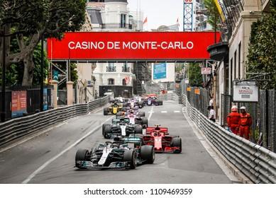 Monte-Carlo, Monaco. 27/05/2018. Grand Prix of Monaco. F1 World Championship 2018. Lewis Hamilton, Mercedes, leading the group of followers.