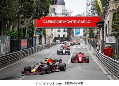 Monte-Carlo, Monaco. 27/05/2018. Grand Prix of Monaco. F1 World Championship 2018. Daniel Ricciardo, Red Bull, leading Monaco Grand Prix.