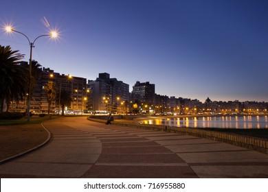 Montevideo, Rambla, at night