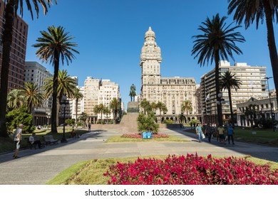 MONTEVIDEO, URUGUAY - FEBRUARY 04, 2018: Plaza indepedencia with the building Palacio Salvo and the statue of Jose Artigas in Montevideo, Uruguay.