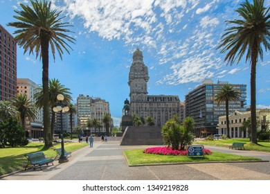 Montevideo, Uruguay – January 1, 2018: Plaza Independencia is the most important square in Montevideo. It divides the old from the new Uruguay, and is surrounded by an array of architectural styles.
