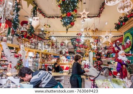 montreal canada november 23 2017 noel eternal boutique and display in old - Noel Christmas Store