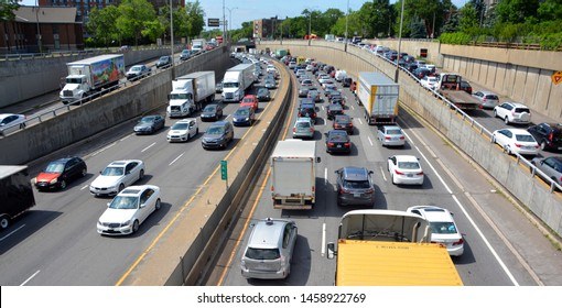 MONTREAL QUEBEC CANADA 06 12 19: Montreal traffic jam on Decarie highway Montreal motorists must deal with their fair share of traffic headaches commuting around town.