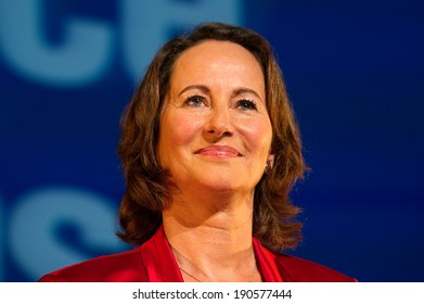 MONTREUIL, FRANCE - SEPTEMBER 10, 2011 : Segolene Royal in meeting for the socialist primary for the french presidential elections of 2012