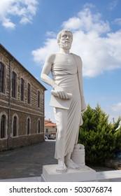 Monument Aristotle