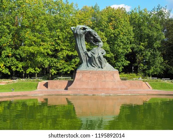 Monument to the composer .. Warsaw, Poland - October 01, 2018 Monument to the Polish composer Frederic Chopin in the Lazienki park in Warsaw.