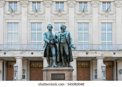 Monument to Goethe and Schiller before the Nationaltheater in Weimar / Goethe and Schiller / bronze sculpture