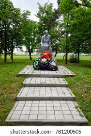 Monument to the Mother of a Soldier waiting for her son from the war. Sculpture of an unknown author in the park of the village of Pervomaisky, Krasnodar Krai, Russia
