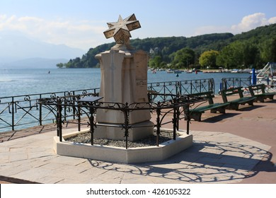 Monument on the waterfront of lake Annecy, France
