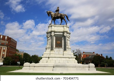 Monument of Robert E. Lee in Richmond, Virginia.