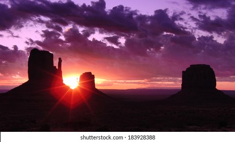 Monument Valley 09 Sunrise Left & Right Mitten Butte Arizona and Utah