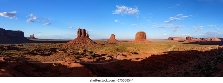 Monument Valley Panorama (Arizona)