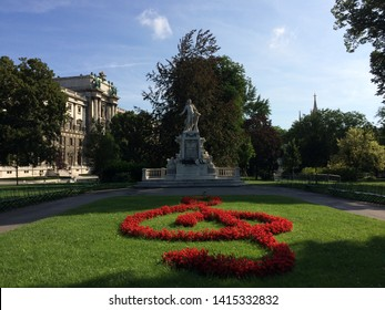 The monument to Wolfgang Amadeus Mozart in Vienna.