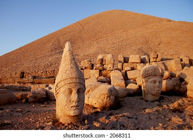 Monumental head of Apollo at sunset, Namrut Dagi, Turkey