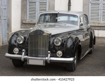 MONZA, ITALY - APRIL 24, 2016: Old classic Rolls Royce car