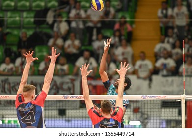 MONZA, IYALY - APRIL 07, 2019 - VERO VOLLEY MONZA V SIR SAFETY PERUGIA VOLLEY - 2019 PLAYOFF QUARTER FINALS LEGAVOLLEY A1 MEN ITALY