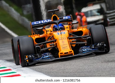 Monza/Italy 08/31/2018  Fernando Alonso (SPA) in his papaya orange McLaren MCL33 approaching the Ascari chicane during the Friday afternoon practice ahead of the 2018 Italian Grand Prix at Monza.