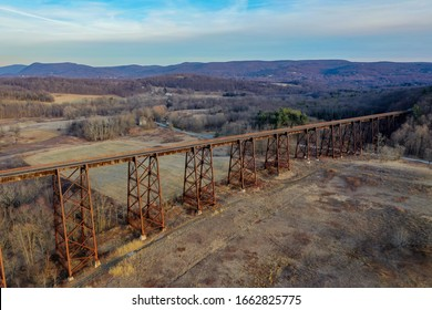 Moodna Viaduct Trestle. The Moodna Viaduct is an iron railroad trestle spanning Moodna Creek and its valley at the north end of Schunemunk Mountain in Cornwall, New York.