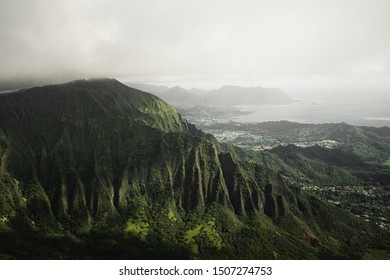 Moody vibes in the beautiful green mountains of the Moanalua Valley, Oahu, Hawaii. Taken on the Stairway to Heaven (Haiku Stairs) hike.
