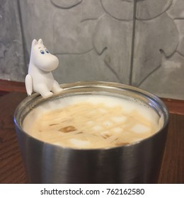 Moomin and caramel coffee