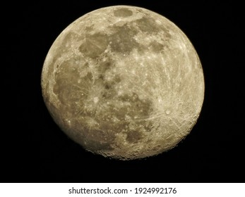 the moon before it's full