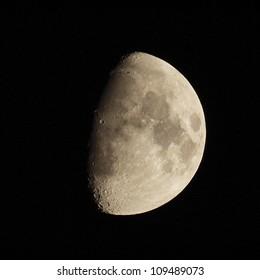 Luna Cuarto Creciente Images, Stock Photos & Vectors ...