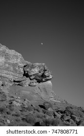 moon rise at lake powell black and white