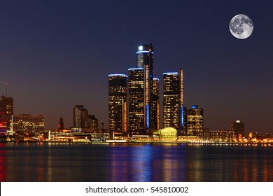 A Moon rising over Detroit, Michigan