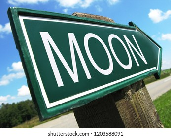 TO THE MOON road sign