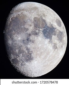 Moon shot with the help of a telescope