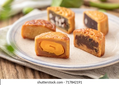 Mooncake, a kind of traditional Chinese food for Mid-autumn festival