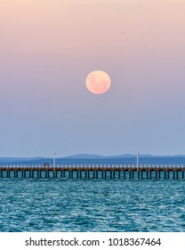 Moonrise of the super blue blood moon. The first since the 1860's. Moonrise over Urangan Pier.