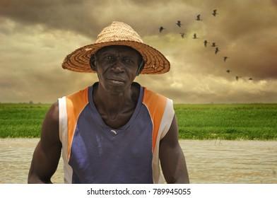 MOPTI, MALI, AFRICA - SEPTEMBER, 3, 2011 Fisherman on the Niger River