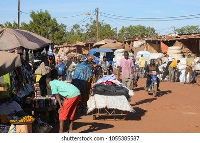 Mopti, Mali - December, 31, 2014: The centre of Mopti is the main market place and harbour