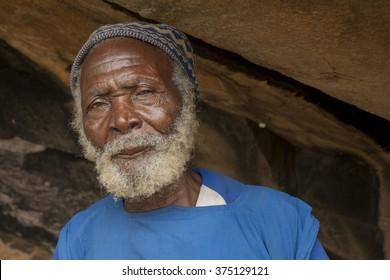 Mopti, Mali-Aug.30,2011: Elderly man in mali