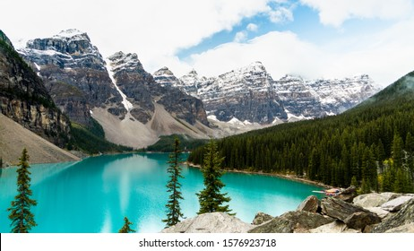 Moraine Lake Background, blue water