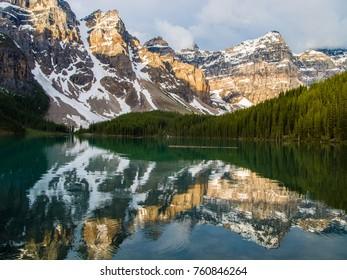 Moraine Lake, Banff National Park. Alberta Canada