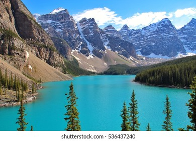 Moraine Lake is a glacially fed lake in Banff National Park, ust outside the Village of Lake Louise, Alberta, Canada.