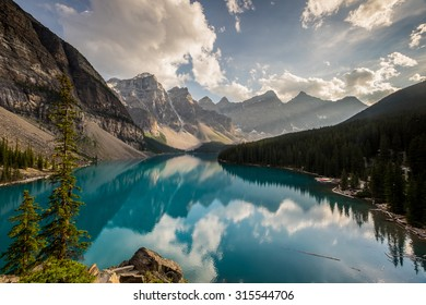 Moraine Lake at sunset in Banff National Park, Canada.